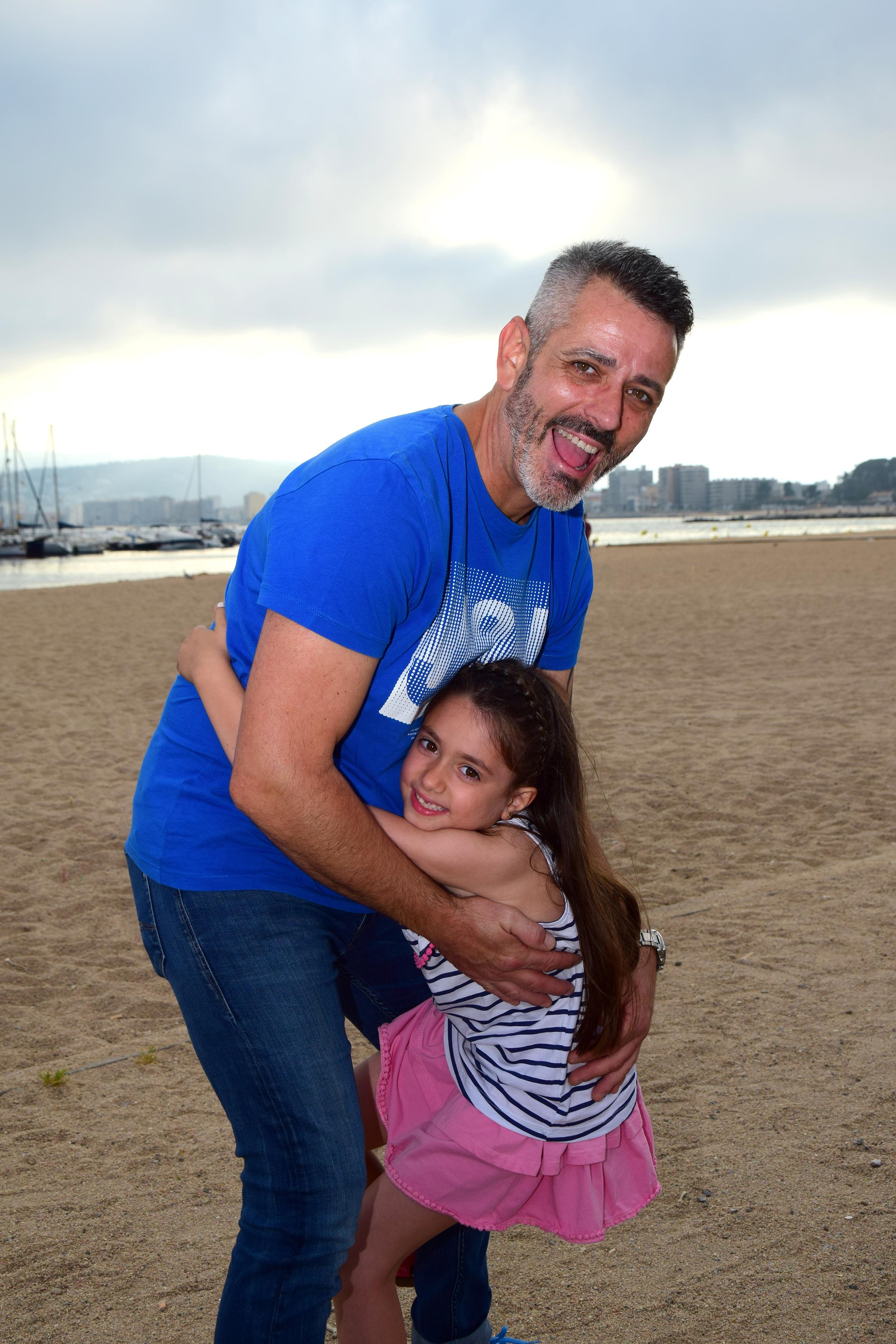 Sesión fotográfica de familia en la Playa de Palamós