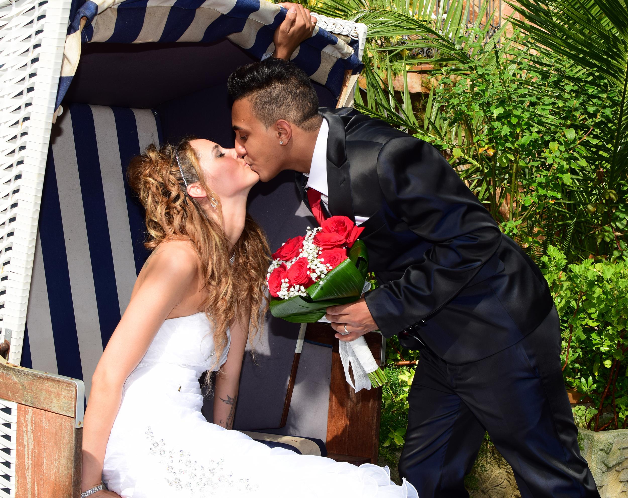 Emotivo reportaje fotográfico de la boda realizada en el hotel Eden Roc en Sant Feliu de Guixols