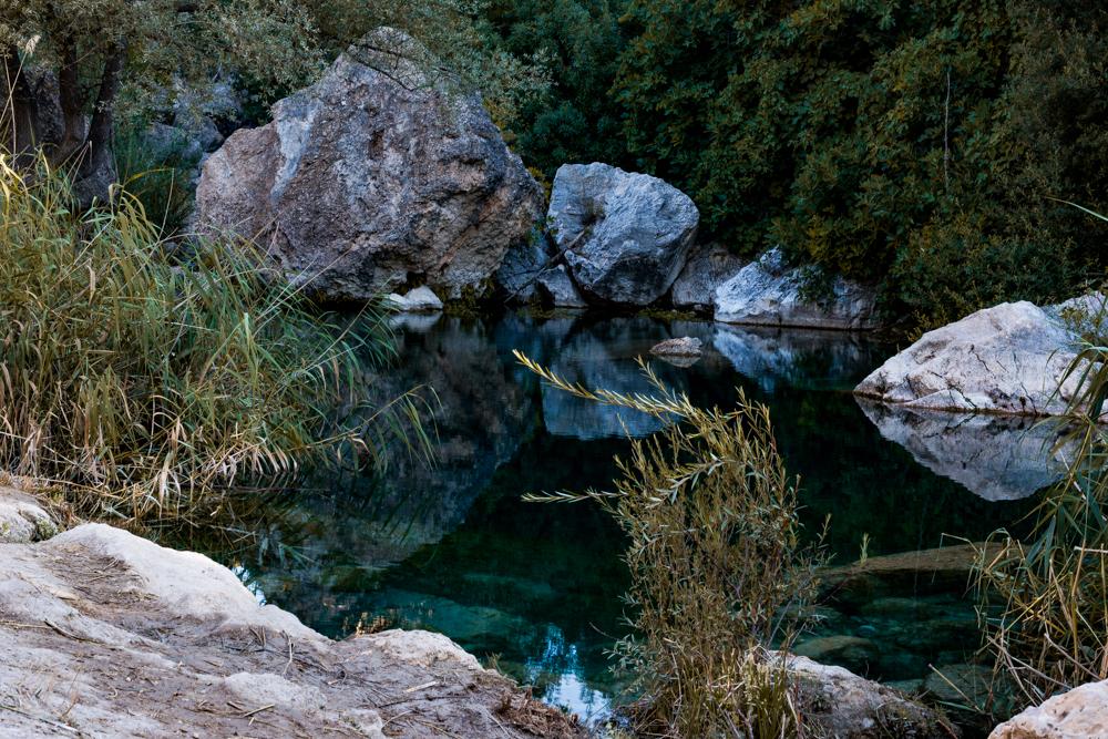 Preciosa vista del cauce del río Guadalentín a su paso por el Paraje natural de Peralta, situado en el término municipal de Pozo Alcón en la provincia de Jaén(España)